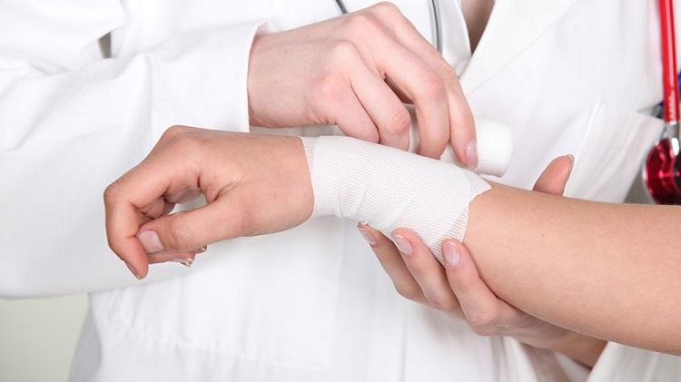 Hướng dẫn cách xử lý vết thương không để lại sẹo khi bị té xe